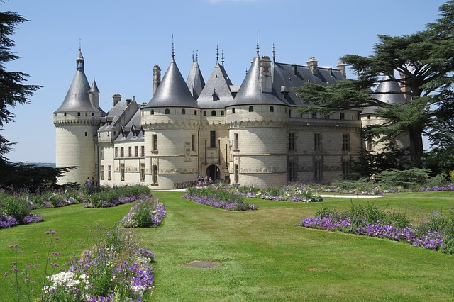 Castle on the banks of the Loire