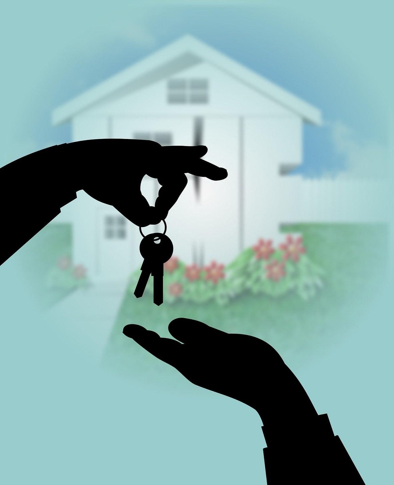 Proprietário que confia as chaves da sua casa