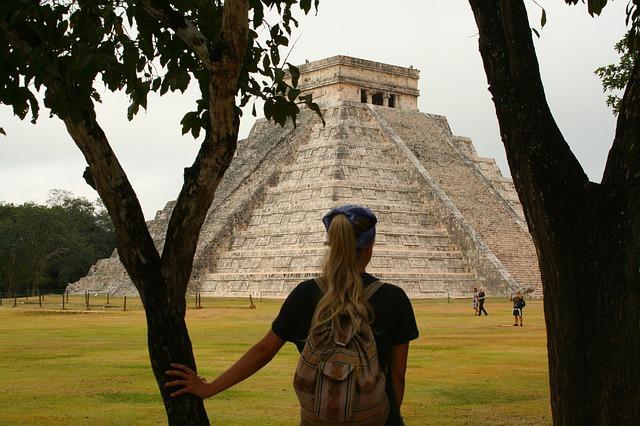 Mayan Pyramid of Kukulcán, Yucatán, Mexico